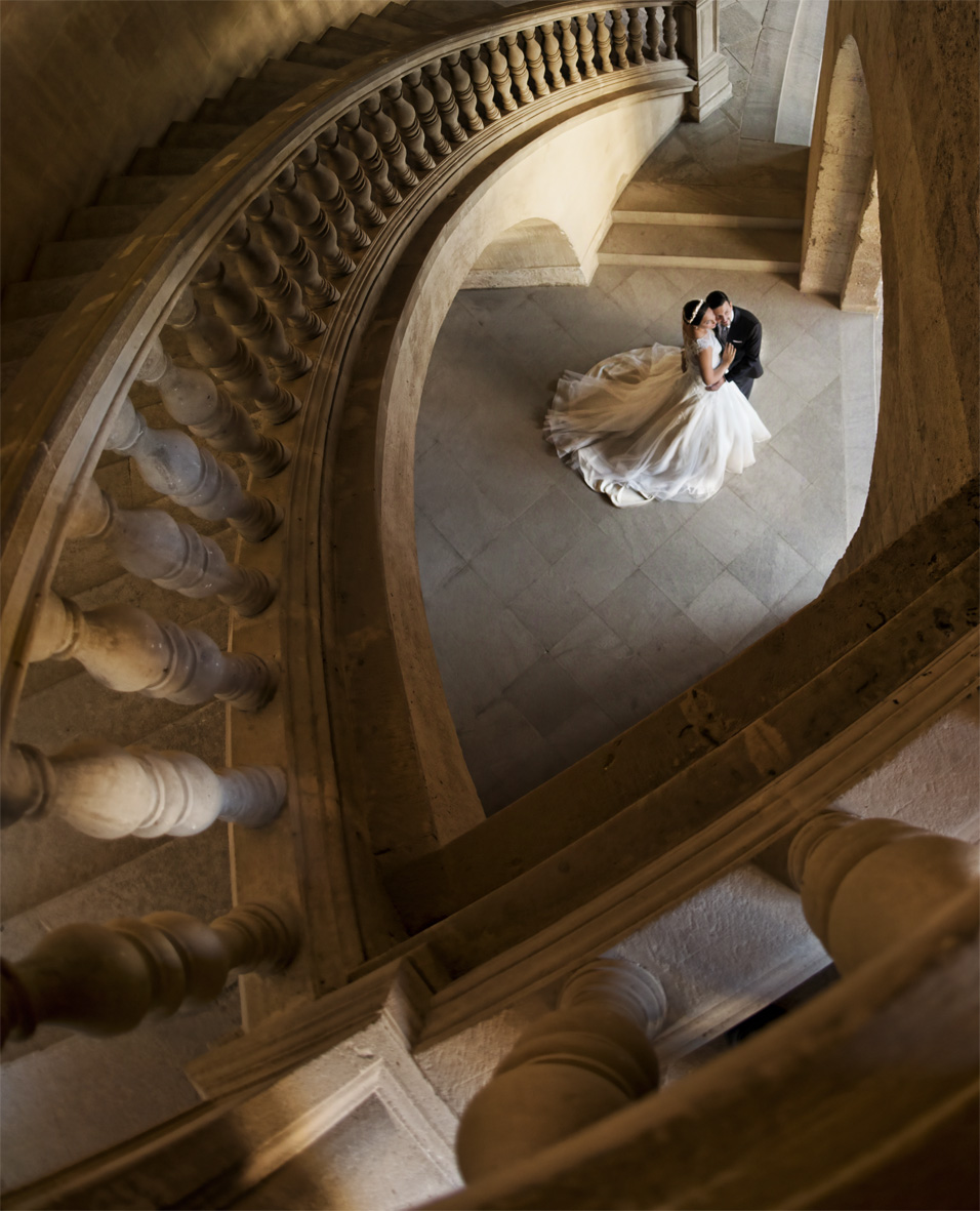 Post-boda Granada escaleras Carlos V