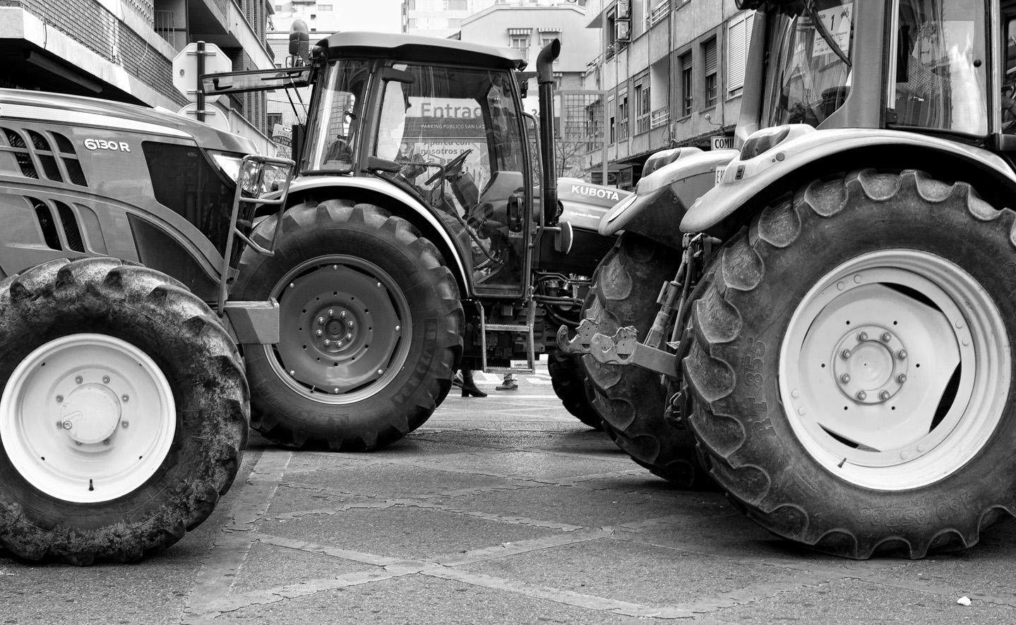 Manifestación del olivar tractores 18